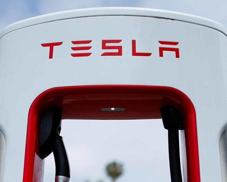 تقوم أعمال شحن السيارات الكهربائية بكل شيء عدا جني الأموال