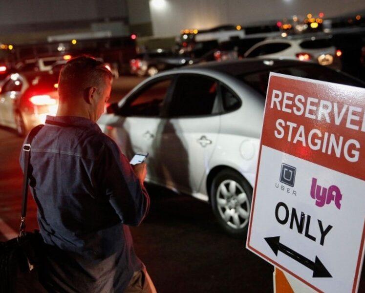 لدى Uber ، Lyft كتاب قواعد اللعبة في كاليفورنيا لمحاربة قواعد العمل الفيدرالية المقترحة على عمال الوظائف المؤقتة