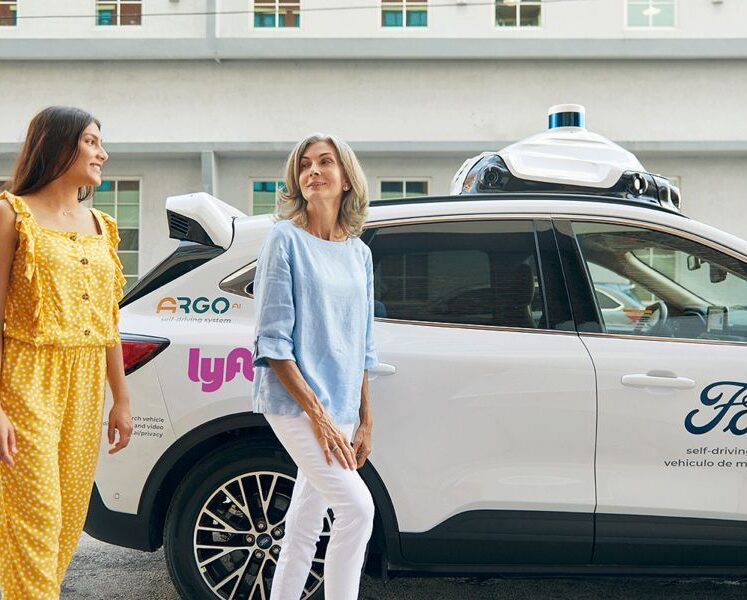 Ford و Argo AI تطلقان سيارات ذاتية القيادة على شبكة Lyft