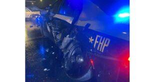 اصطدمت سيارة تسلا على الطيار الآلي بسيارة شرطة متوقفة في فلوريدا