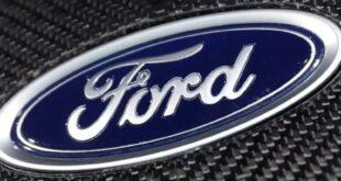تستأجر شركة فورد تنفيذيًا يقود مشروع سيارة لشركة Apple